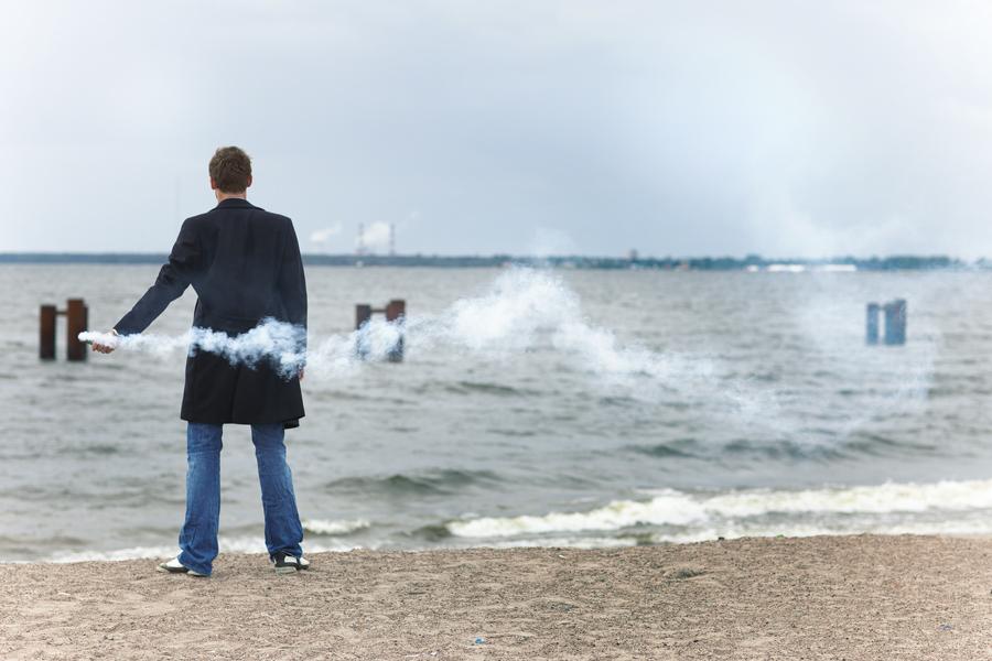 Nicolas Lombaerts on the beach smoke. ??????? ????????,  ????? ?????????. Zenit