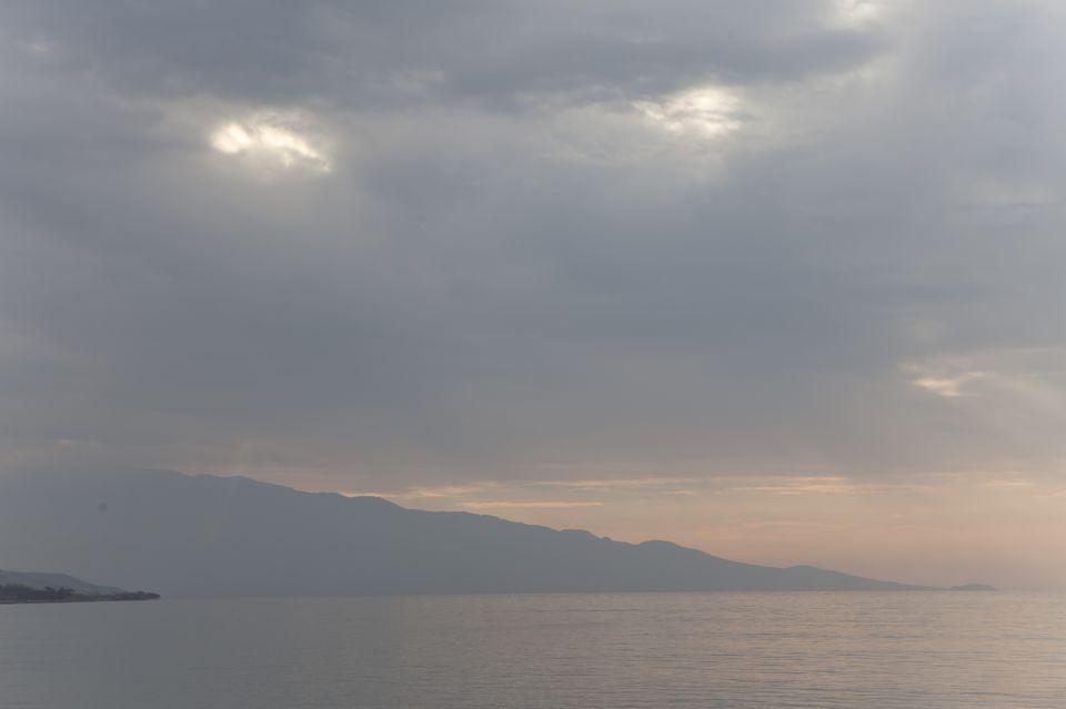 Tara-Maui-Serfing (4)