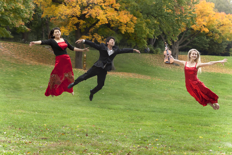 Photography workshop with Orchestre de Chambre Nouvelle flying in the air (3)