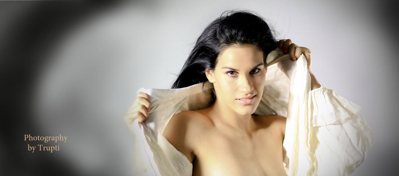 Photography workshops in Montreal. Half nude workshop, author Trupti Bhagudia (5)