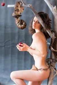 girl_with_snake_10-1