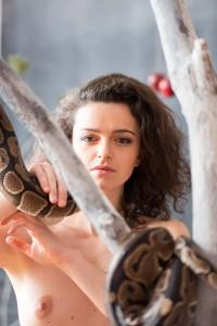 girl_with_snake_10-3