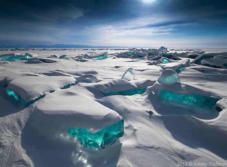 frozen-lake-pond-ice-1__880