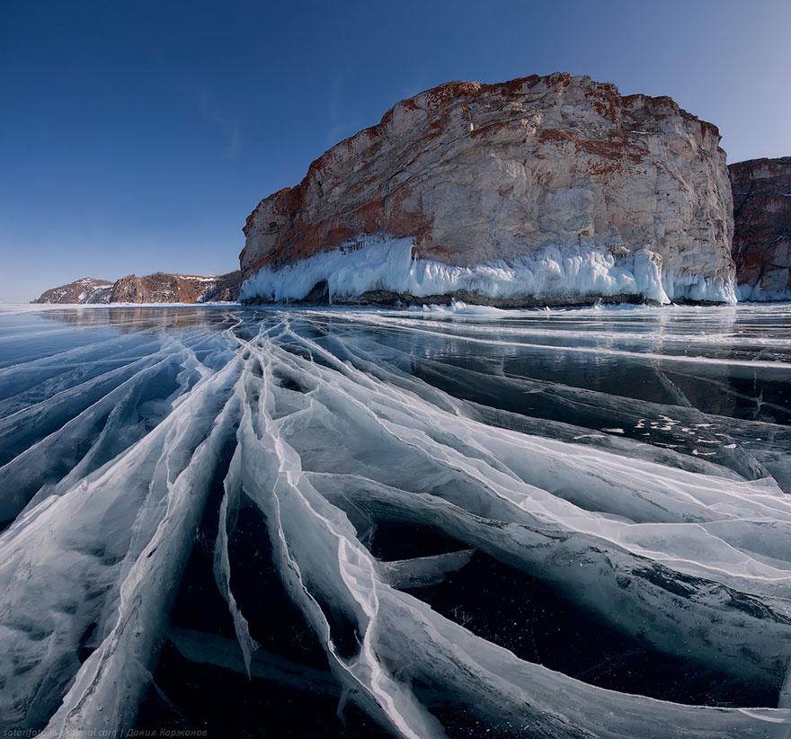 frozen-lake-pond-ice-8__880